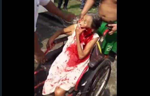 ¡A machetazos!: El vídeo del brutal ataque de un nieto a sus indefensos abuelos