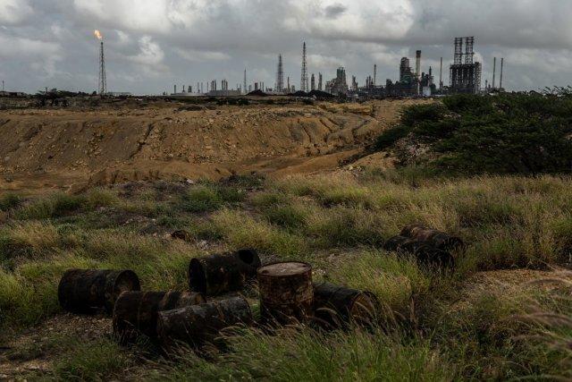 Parálisis total: Todas las refinerías venezolanas están 'fuera de servicio'