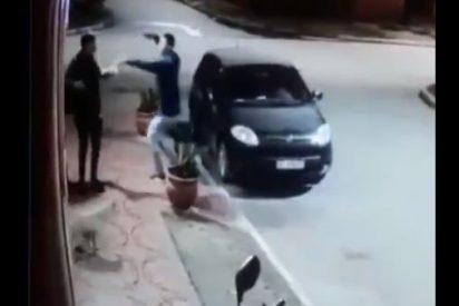 Vídeo viral: El gracioso final de un insólito asalto con pistola en Argentina