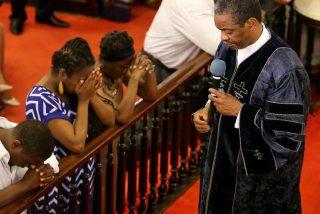 Adolescente de raza aria planificó un gran ataque racista: matar sin piedad a afroamericanos dentro de una iglesia