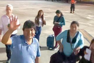 ¿Quiénes viajan con el fraudulento Evo Morales en su escape a México?