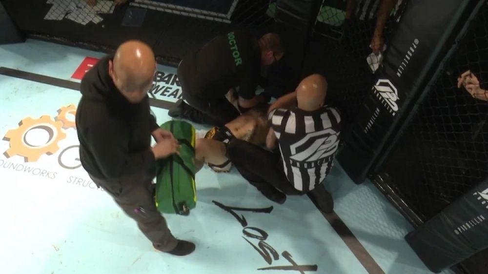 UFC: Luchador realiza una espectacular pirueta para acabar con su oponente y optar al mejor nocaut del 2019