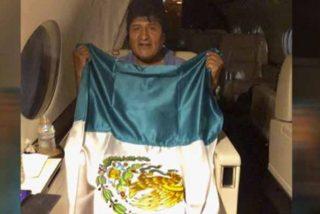 El avión que transporta a Evo Morales partió de Paraguay a México