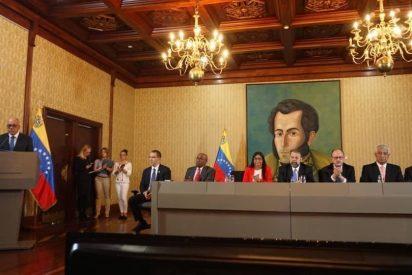 Vídeo: Venezolanos en el exilio solicitarán a EEUU sanciones contra la falsa
