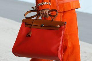 Una pija denuncia por 30.000 euros al camarero que dañó accidentalmente su bolso