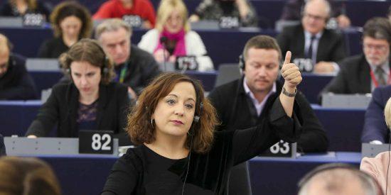 Esta sí es 'la banda': Los 19 eurodiputados del PSOE que mancharon sus carreras en el Parlamento Europeo al apoyar las torturas