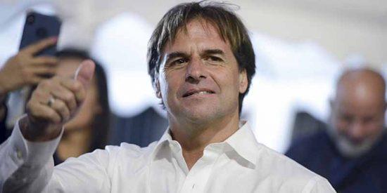 Luis Lacalle Pou desveló que el presidente Tabaré Vázquez lo llamó a para felicitarlo