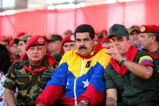 Dolarización en Venezuela: El cambio repentino del dictador Nicolás Maduro y la puerta abierta al narcotráfico