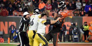 Vídeo// Brutal pelea en la NFL: Le quita el casco y lo golpea con él en el rostro