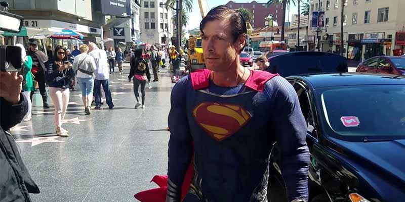 Desamparado y sin hogar: La muerte estremecedora de 'El Superman de Hollywood' que extiende la maldición