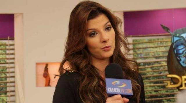 Una periodista colombiana olvidó usar bragas y deja su zona íntima a la vista de todos