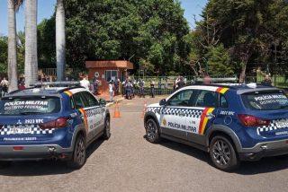 Vídeo: General chavista intenta entrar por la fuerza en la Embajada de Venezuela entregada a la delegación de Juan Guaidó