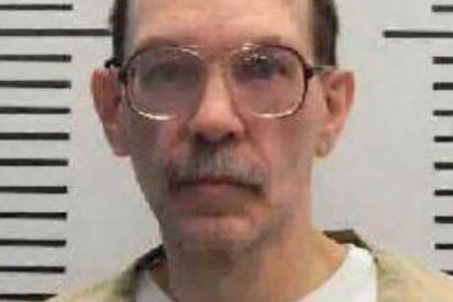 Un cruel asesino se burla de los padres de su víctima minutos antes de morir con una inyección letal