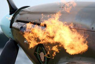 Vídeo: Pasajeros graban cómo se incendia la turbina de un avión y aterrizan de emergencia en Los Angeles