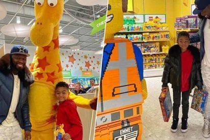 """El regalazo de Navidad de '50 Cent' a su hijo: cierra una juguetería y """"llévate lo que quieras"""""""