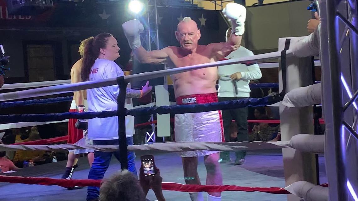 El abuelo boxeador que gana un nocaut tras casi cuatro décadas sin pisar un ring