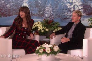 Vídeo: Ellen DeGeneres hace pasar a Dakota Johnson la entrevista más incómoda de su vida
