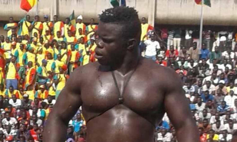 El nocaut criminal con el que el 'Hulk senegalés' debutó en la MMA