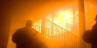 Por el árbol de navidad: Un padre y tres de sus hijos mueren en un incendio