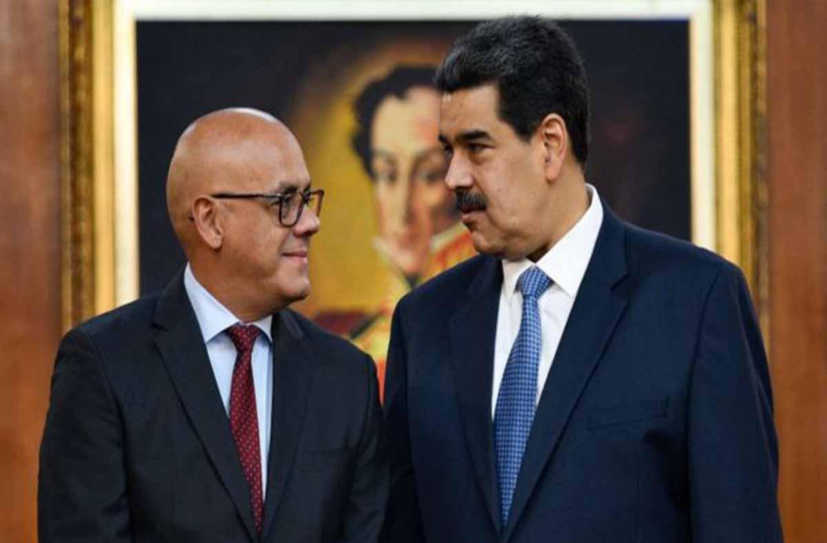 Complicidad socialista: El presidente de Argentina invitó a su investidura a un ministro chavista con prohibición de entrada a ese país