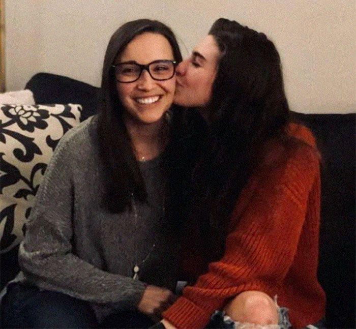 La valiente carta de una lesbiana para anuncia su compromiso a su homófoba familia