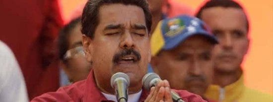 Maduro 'jura por Sai Baba' que Venezuela crecerá económicamente en 2020