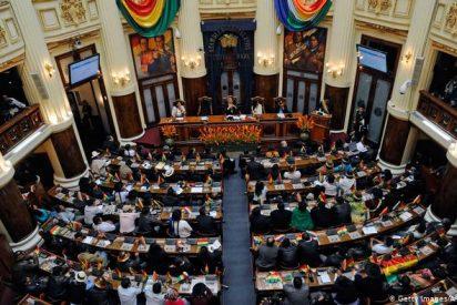 Bolivia nombra a las nuevas autoridades del Tribunal Electoral