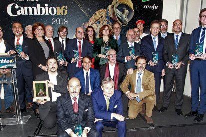 Los chavistas hermanos Neri premian, a través de la revista Cambio 16, a los líderes de la oposición venezolana