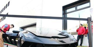 AMLO subasta estos lujosos coches que pertenecían a narcos y hackers