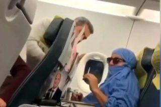 Una mujer finge ser terrorista y amenaza con explotar un avión en vuelo
