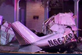 Una avioneta se estrella en un vecindario de EEUU y se registran al menos tres muertos