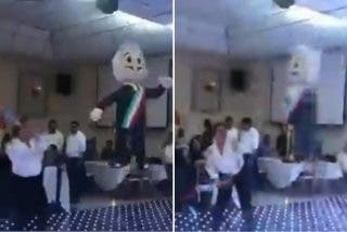 México: diputados golpean agresivamente a una piñata de AMLO