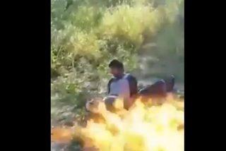 Vídeo: Un grupo de sicarios mata a sus virales cocinándoles 'a la brasa'
