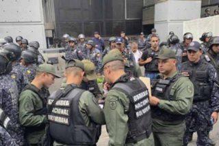 El régimen de Nicolás Maduro bloquea la entrada de Juan Guaidó a la Asamblea Nacional